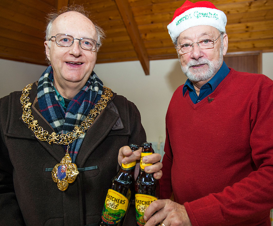 Lewes Mayor Tombola St Thomas A Becket Christmas Fair Winner Cliffe Hall